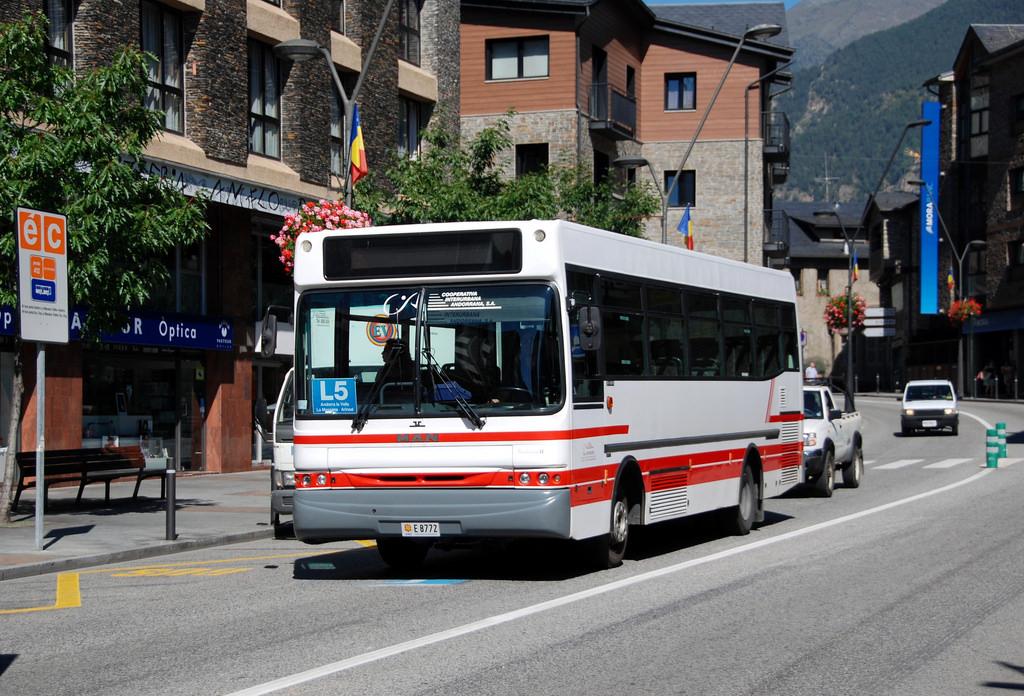 Autobús L5