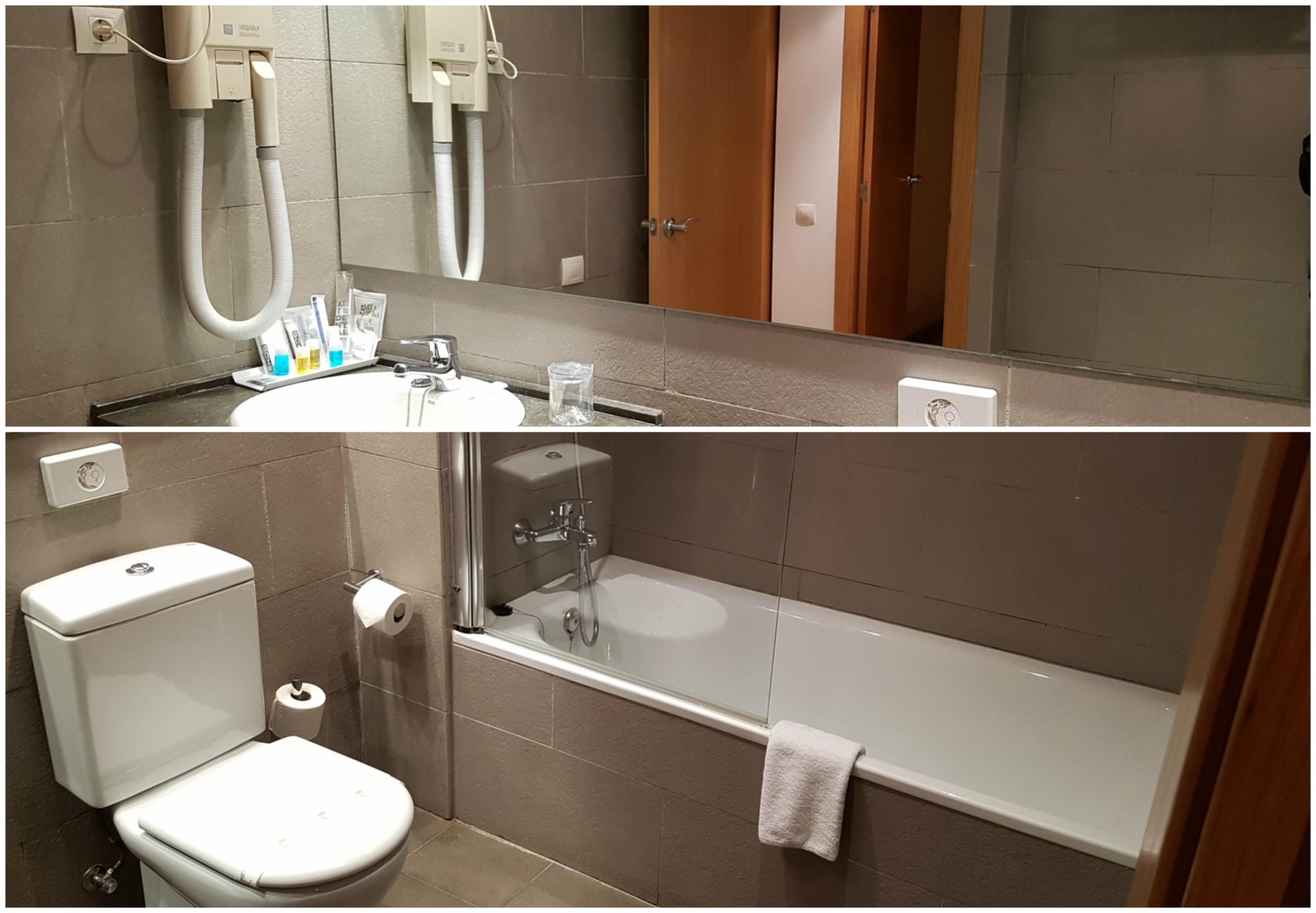 Baño aparthotel