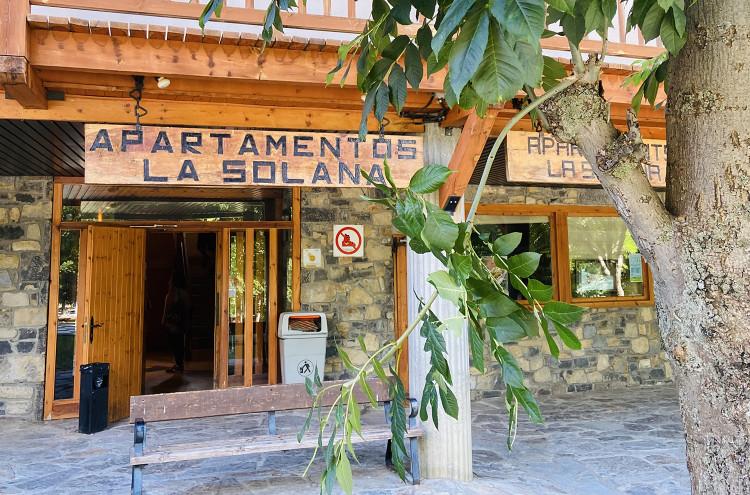 Entrada Apartamentos La Solana