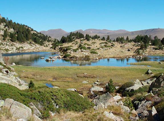 ¡Este es el lago Forcat! Podrás decidir si seguir o descender de nuevo 🤔